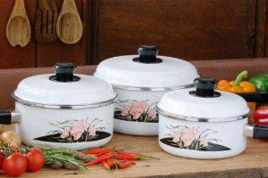 Как очистить эмалированную кастрюлю от пригоревшей пищи