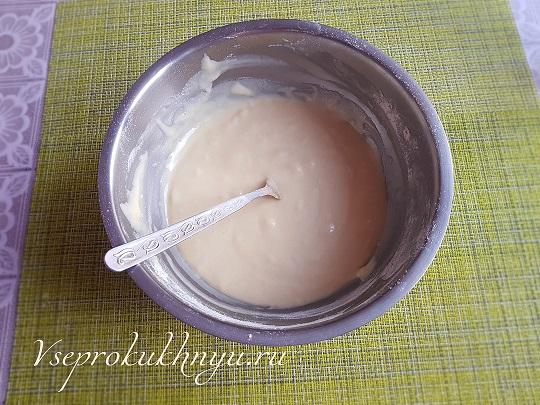 Приготовление торта с вишней шаг 04