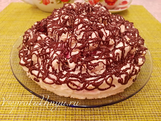 Торт с вишней и сметанным кремом рецепт