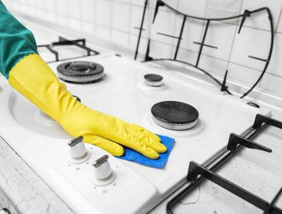 Как очистить газовую плиту народными средствами