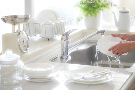 Преимущества и недостатки домашних моющих средств