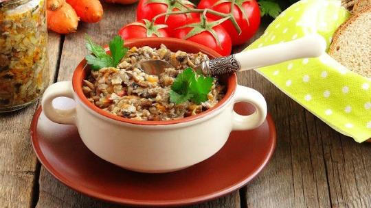 Грибная икра из опят с помидорами - рецепт на зиму