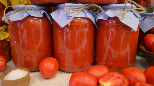 Помидоры в собственном соку на зиму - рецепты пальчики оближешь с томатной пастой