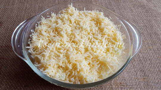 Цветная капуста в духовке с сыром