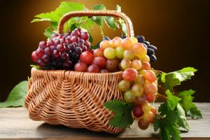 Польза и вред винограда для организма человека