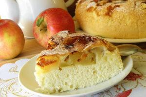 Как приготовить шарлотку с яблоками в духовке - 9 простых рецептов