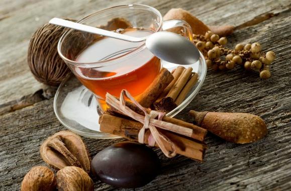 Чай с добавлением имбиря и корицы