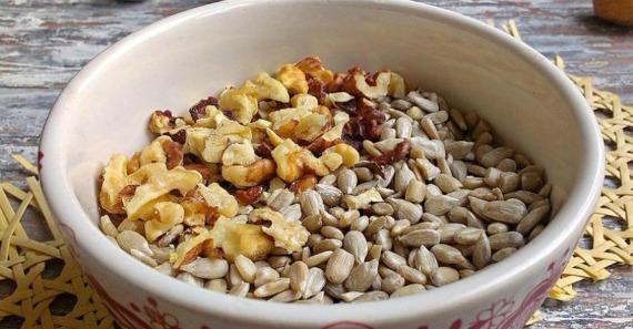 Десерт из орехов и семечек
