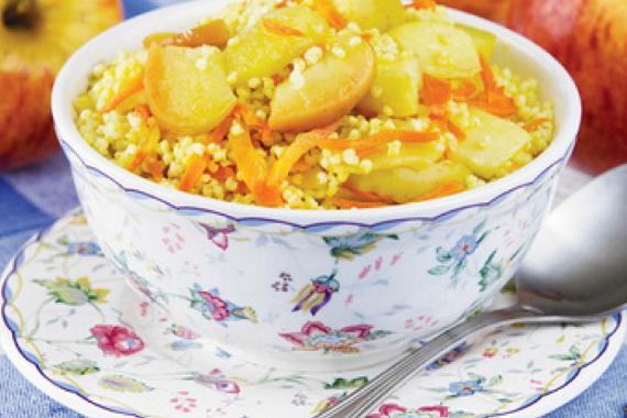 Каша пшенная с морковью и яблоками