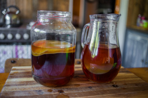 Как правильно заваривать чайный гриб в домашних условиях: технология и рецепты приготовления раствора и напитка, пропорции