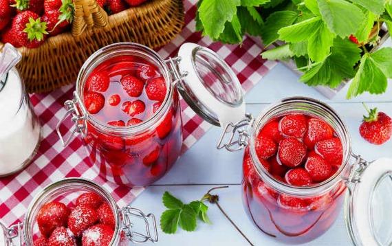 Рецепт варенья из клубники без варки ягод