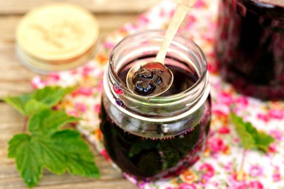 Рецепт смородинового варенья в сиропе