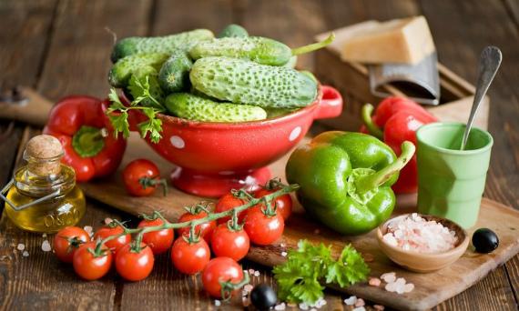С какими продуктами лучше сочетать томаты