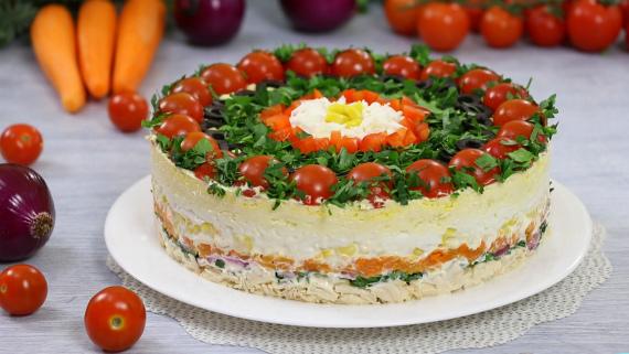 Оригинальный салат Застольный гость