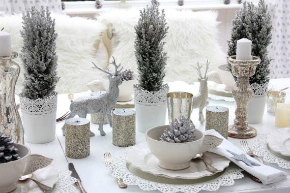 Серебристый декор новогоднего стола