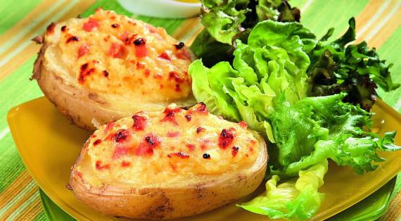 Фаршированный картофель с сыром и ветчиной: простой и вкусный рецепт