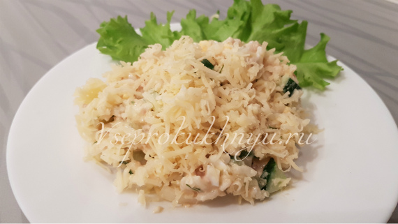 Рецепт салата с консервированным тунцом, рисом и свежим огурцом
