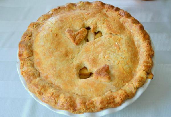 Постный яблочный пирог из дрожжевого теста